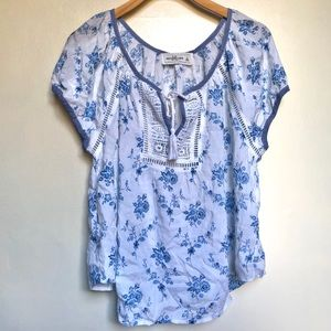 A&F white floral oversized blouse NWT